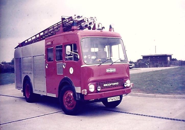 HFW835N Bedford TK HCBA WrL Lincs