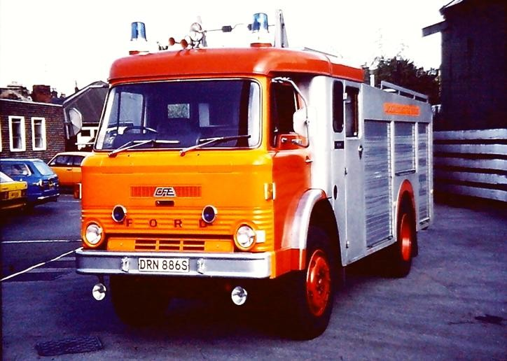 DRN886S Ford D1617/CFE WrL Lancs