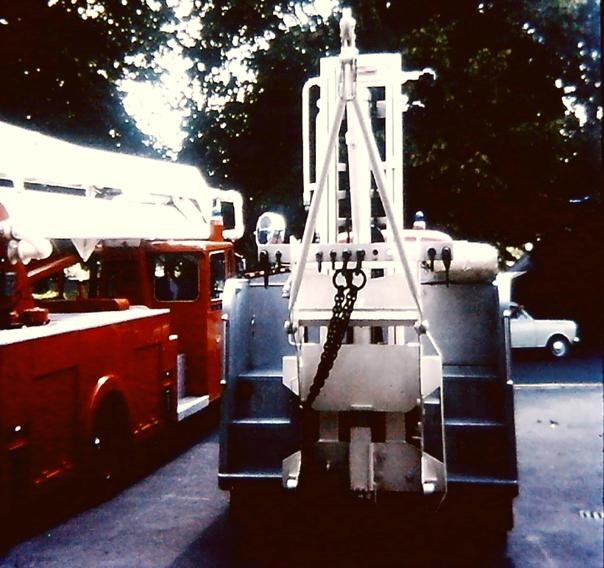 6091DF Bedford R Rescue with forklift