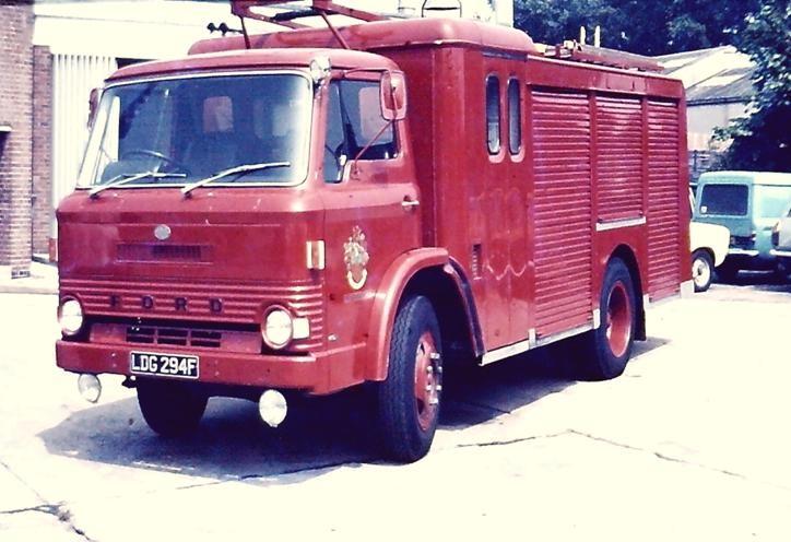 LDG294F FordD600/HCBA WrT Gloucs