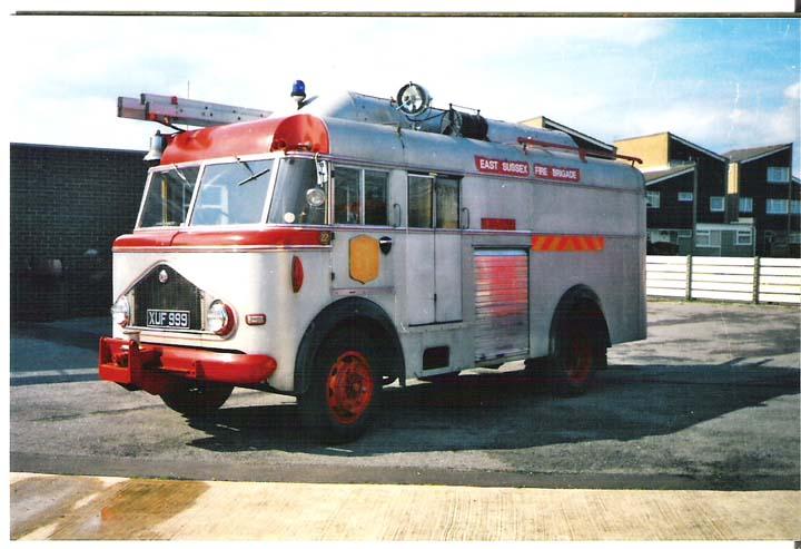 1956 Bedford Emergency Tender(XUF 999).