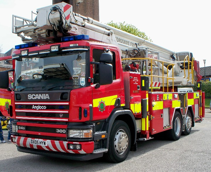 STAFFORDSHIRE FIRE & RESCUE, TRENT 6 DX05HYW