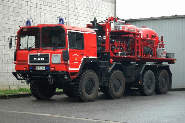 Feuerwehr Duisburg MAN Prime mover