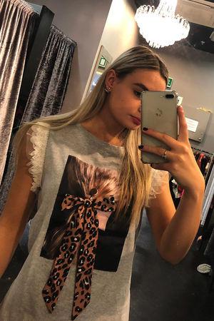 Leopard bow Portrait T-shirt