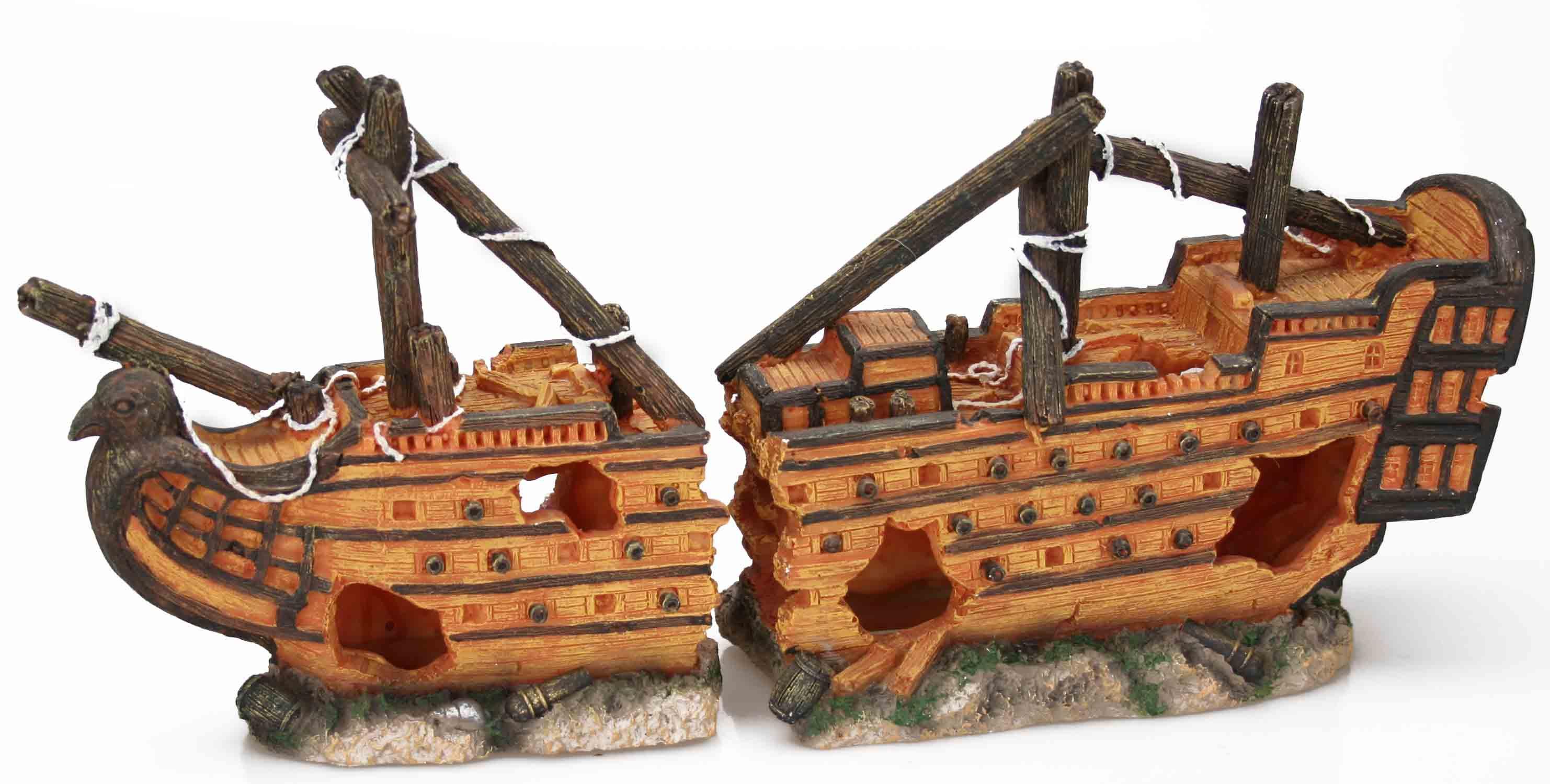 Large Shipwreck (40 x 10 x 19 cm)