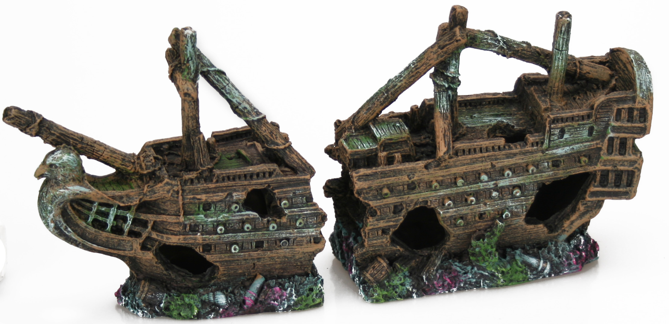 Small Galleon Shipwreck (25 x 6.5 x 12.5 cm)