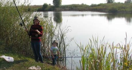 Семейный выезд на рыбалку