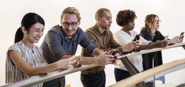 Pour fêter la première moitié de l'année 2019, Gearbest offre des promotions très intéressantes sur de nombreux produits comme des Smartphones, des écouteurs bluetooth ou des chargeurs.
