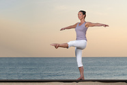 Pilates Standing Balance - Dehnen & Balance