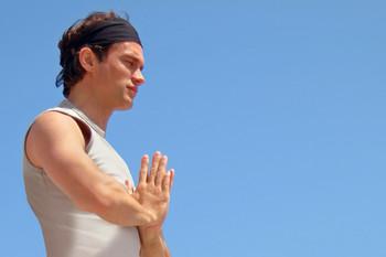 Bild: Ralf Bauer beim Yoga