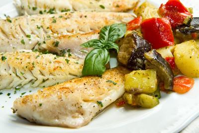 Victoriaseebarsch mit Gemüsepfanne