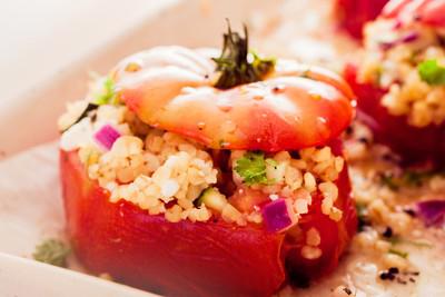 Couscous-Tomate mit gegrillter Zucchini
