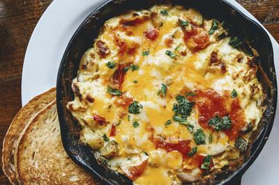 Salat mit Omelette