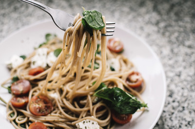 Nudeln mit Spinat-Pesto (vgn)