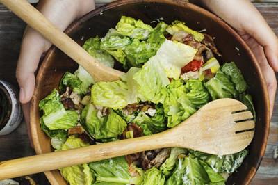Salat mit Zitronen-Dressing (vgn)