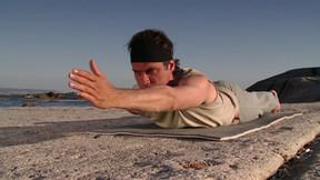 Hatha Yoga mit Ralf Bauer - Yoga-Quickie 1