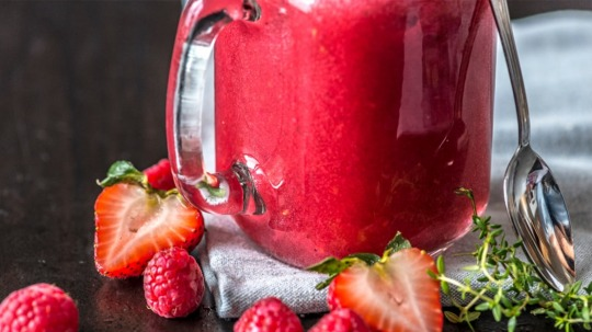 Rezept: Low Carb [Ohne-Video] Himbeer-Erdbeer-Smoothie