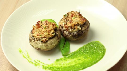 Rezept: Low Carb Frischkäse gefüllte Champignons