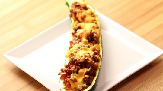 Rezept: Mexikanisches-Zucchini-Schiffchen