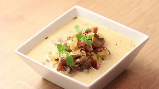 Recipe: Low Carb Chicken and bacon soup