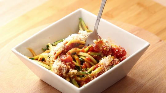 Rezept: Low Carb Zucchini Nudeln all'Arrabiata