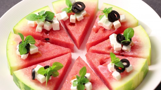 Recipe: Low Carb Watermelon, Olive and Feta Salad