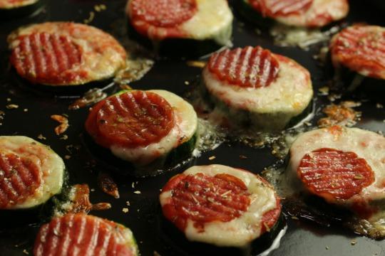 Rezept: Zucchini Pizza Häppchen
