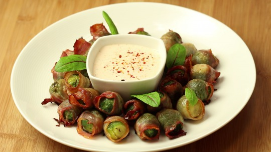 Recipe: Low Carb Bacon Wrapped Brussel Sprouts