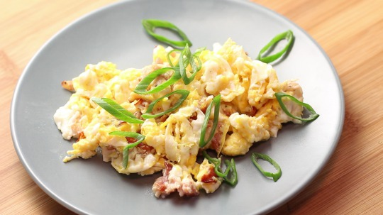 Rezept: Low Carb Scrambled eggs with bacon