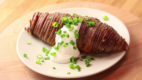 Rezept: Low Carb Süßkartoffeln nach Hasselback-Art