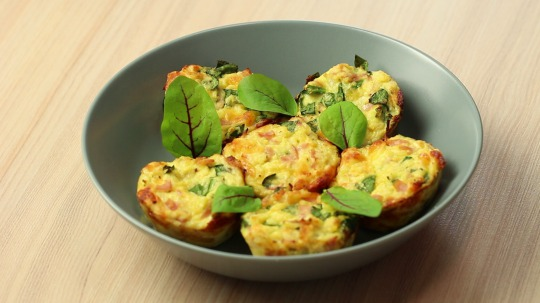 Rezept: Cauliflower Muffins with Spinach, Ham, and Cheese