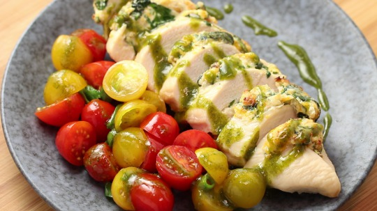 Recipe: Low Carb Stuffed Chicken Breast with Ricotta and Spinach