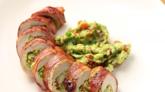 Rezept: Bacon Wrapped Guacamole Stuffed Chicken Breast