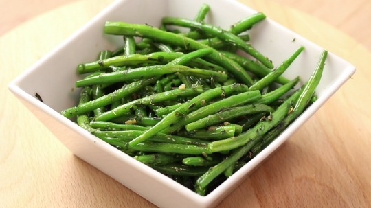 Recipe: Low Carb Green beans with garlic