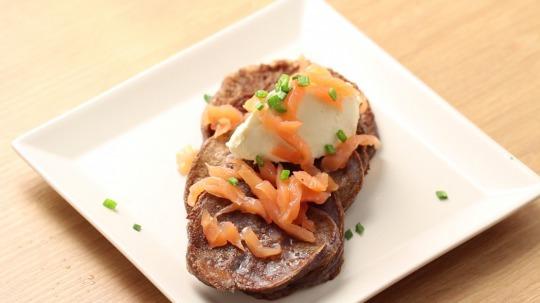 Rezept: Cottage cheese pancakes with smoked salmon