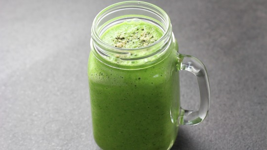Rezept: Low Carb Spinat Gurke Apfel Smoothie