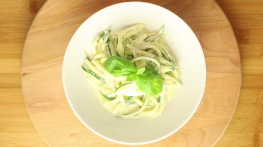 Rezept: Low Carb Zucchini Nudeln Alfredo