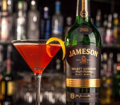 Jameson Whiskey Cocktail at Inn on the Green Bar