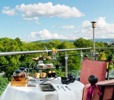 Deluxe Premium Guestroom Balcony