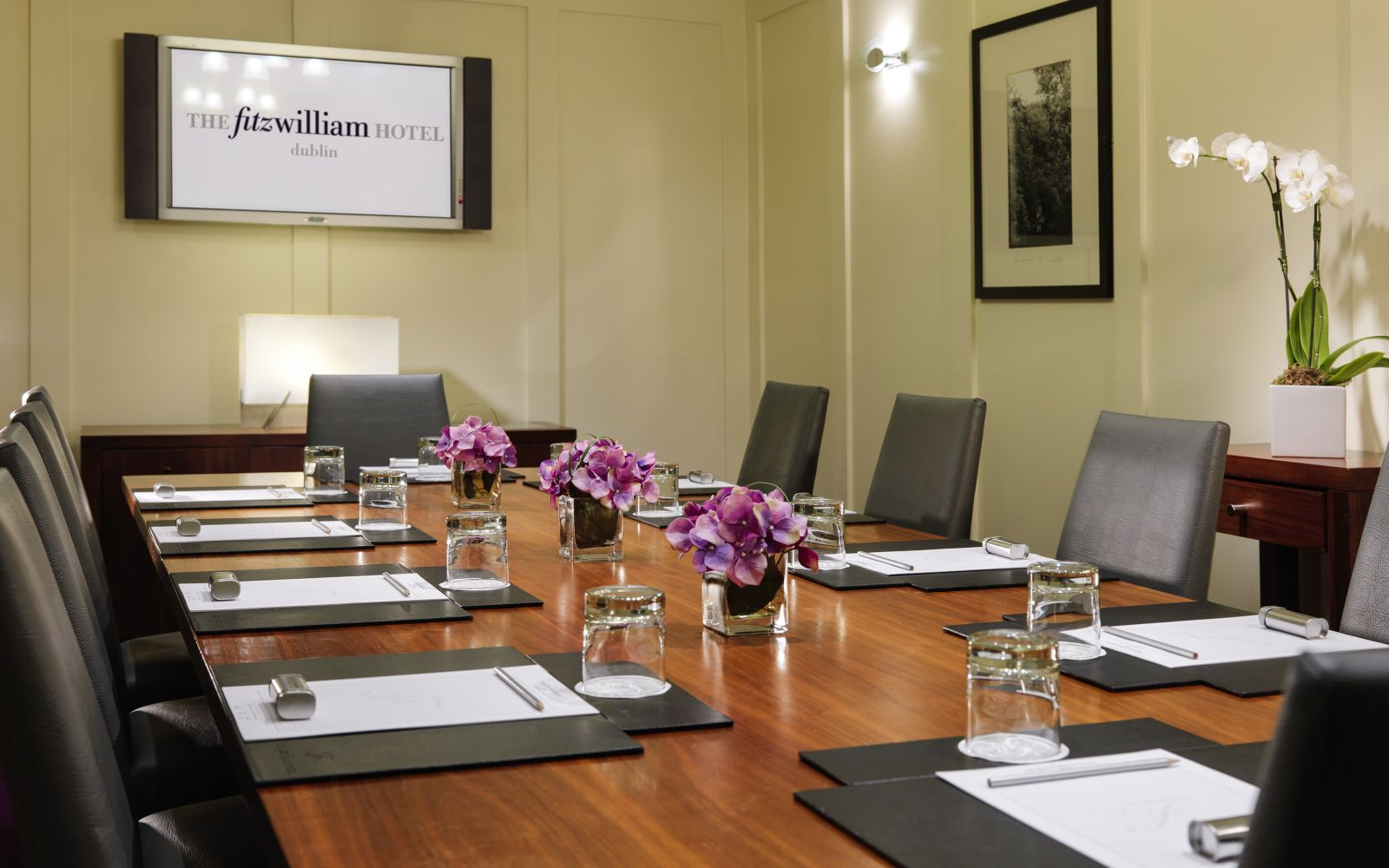 Boardroom Or Meeting Room