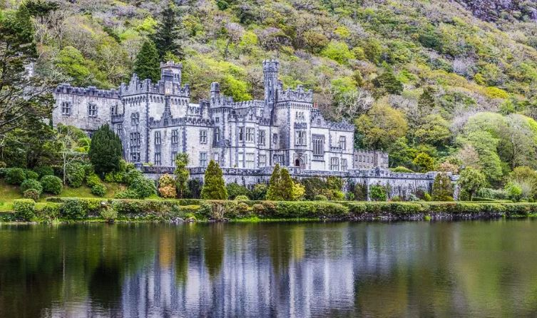 Kylemore Abbey, Connemara - Best Day Trips from Dublin