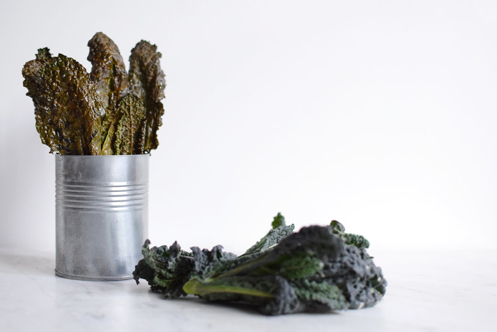Chips of dark kale