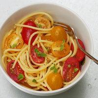 Spaghetti con pomodorini e maggiorana