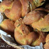 Pane allo zafferano e olive-1
