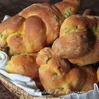 Pane allo zafferano e olive-2