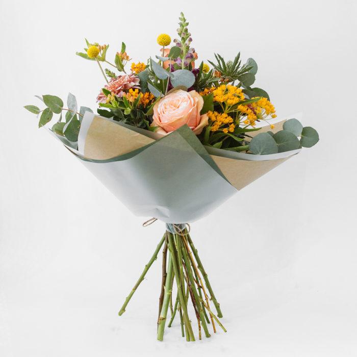 Floom Botanique Workshop Esclepias Craspedia Rose 1