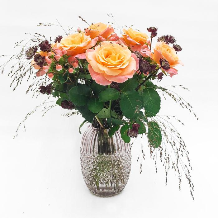 Floom Martin Magpie Rose Vase 1