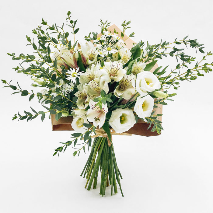 Floom With Fairest Flowers White Small Bouquet 1