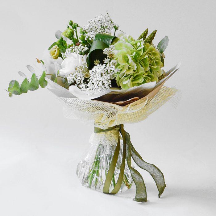 Floom Plantology Botanical Garden Hydrangea Rose Lisianthus 1