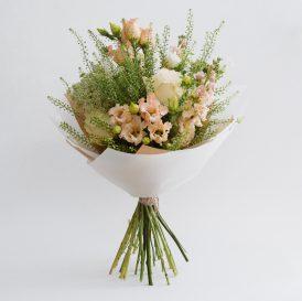 Floom Botanique Workshop Peach Bouquet 1